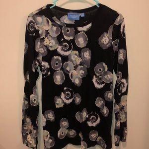 Simply Vera Wang Long Sleeve Top!